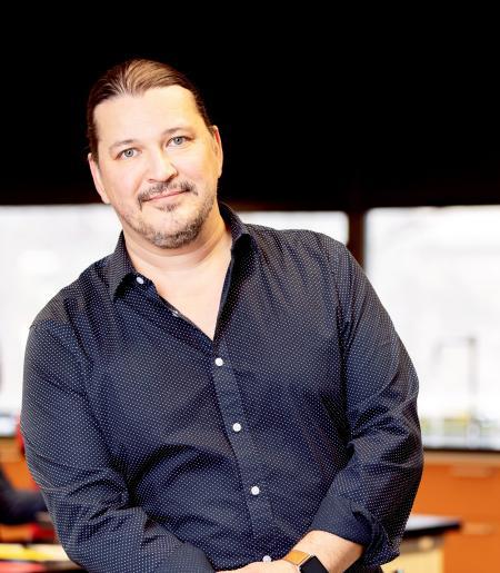 Mark Akos Sarvary